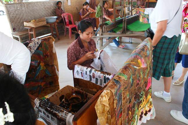 Atelier de confection de Batik