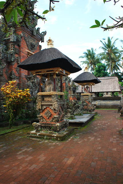 Temple à Banuan