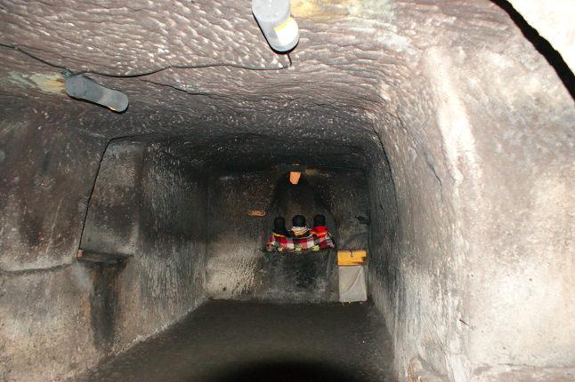 Boyau de la grotte de Pura Goa Gaja