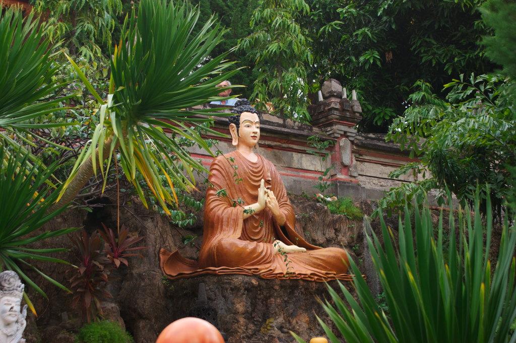 Bouddha du Temple Bouddhiste de Banjar