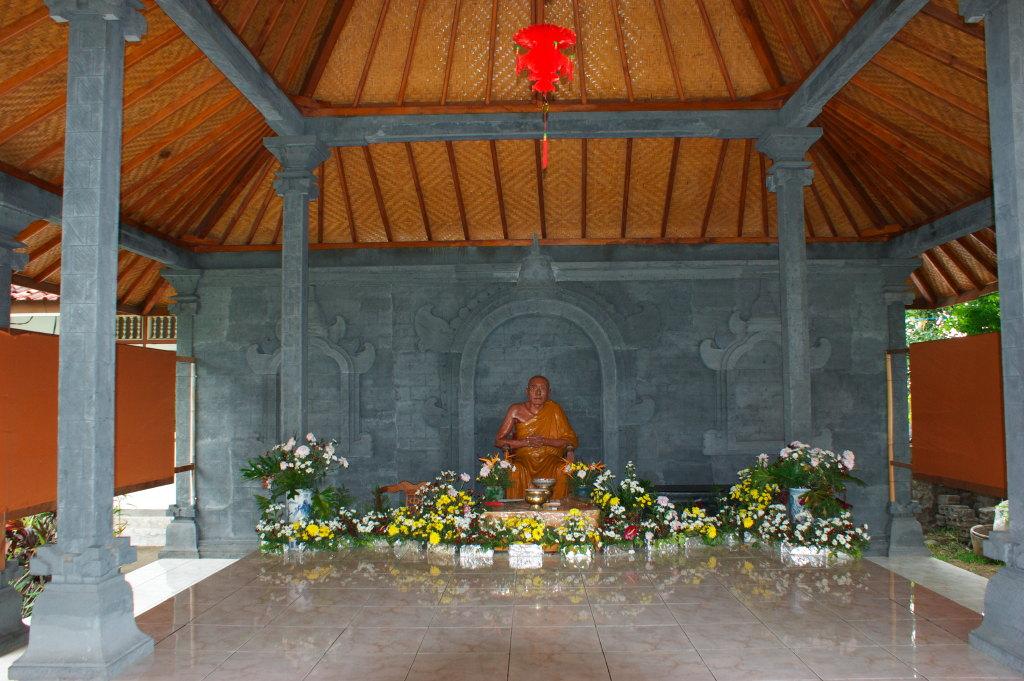 Bouddha du Temple Bouddhiste de Banjar 2