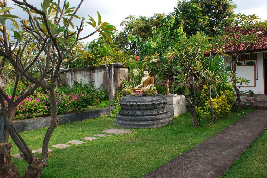 Bouddha du Temple Bouddhiste de Banjar 3