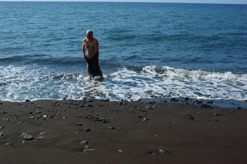Bain de Serge en sarong 1