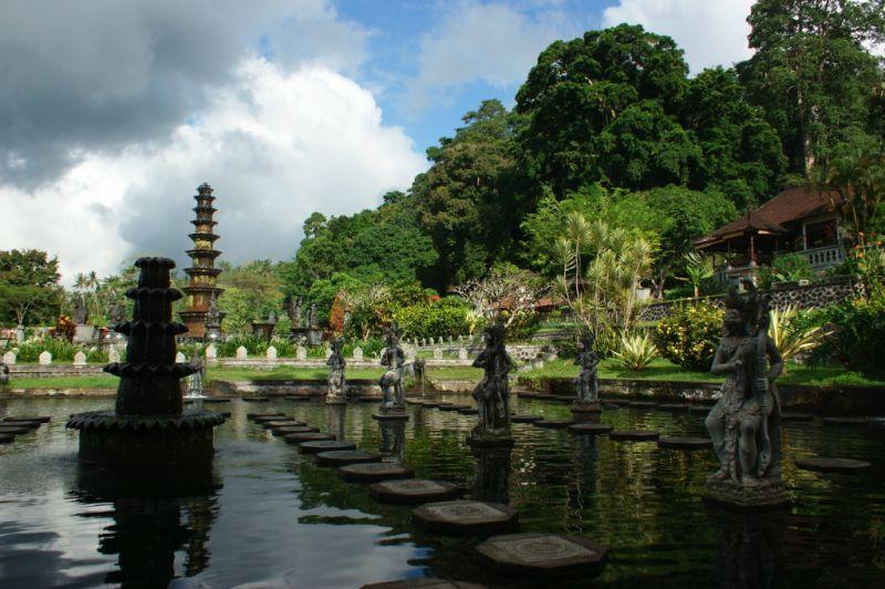 Palais Aquatique , Tirtagangga,