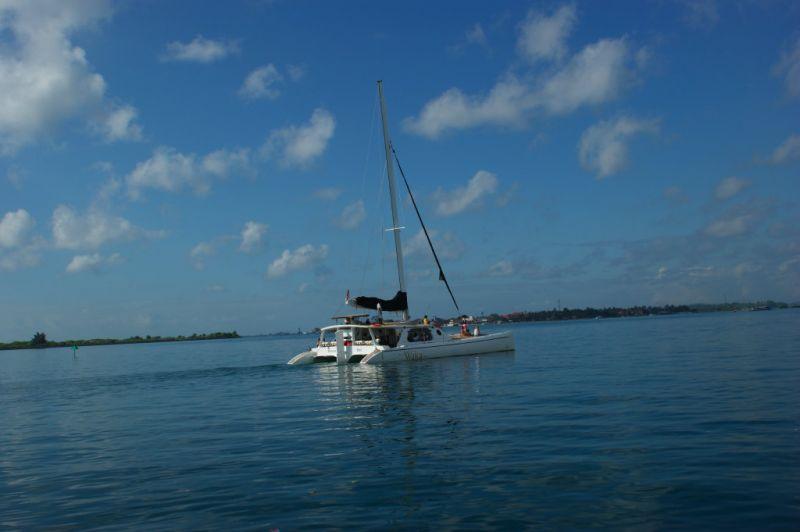 Catamaran vers Lambogan
